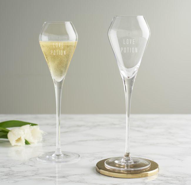 Love Potion Tulip Champagne