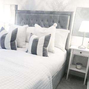 Mrs Hinch Home Spring Refresh Monochrome Bedroom Inspiration